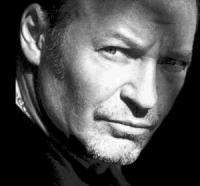 download Vasco Rossi's music